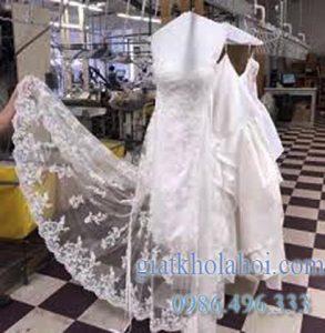 Cách giặt sạch váy cưới tại nhà dễ nhất